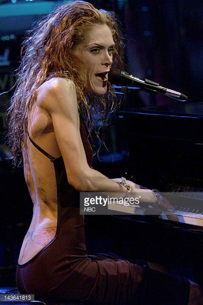 Musical guest Beth Hart performs on December 27 1999 Photo by NBCNBCU Photo Bank.jpg