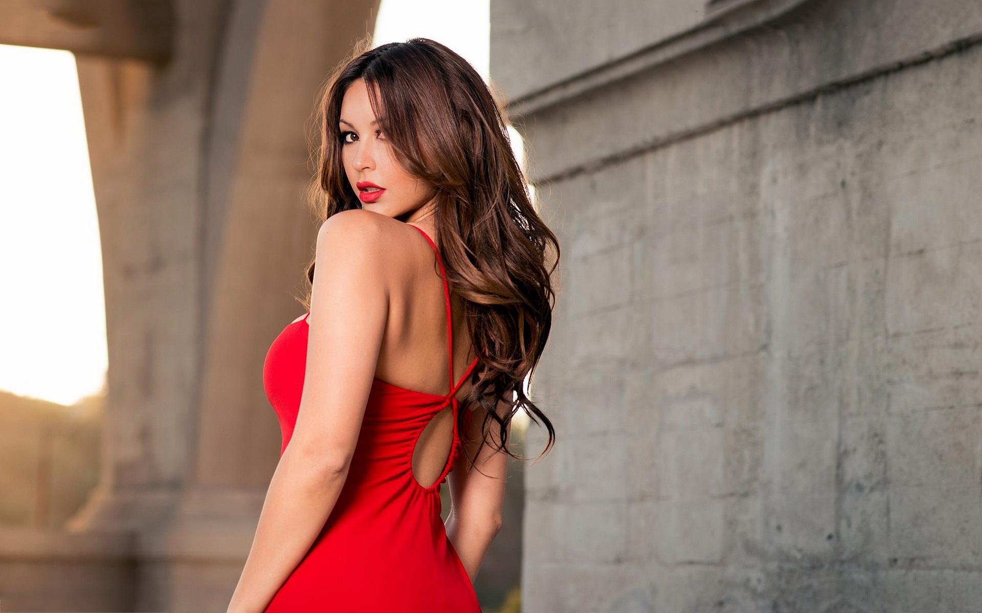 7033966-brunette-woman-in-red.jpg