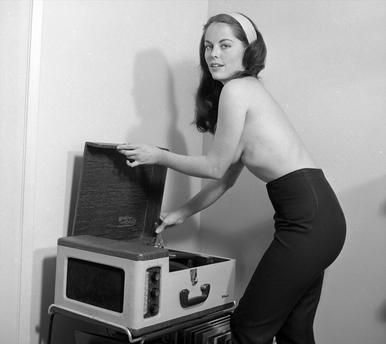 vintage-ladies-and-records-31.jpg
