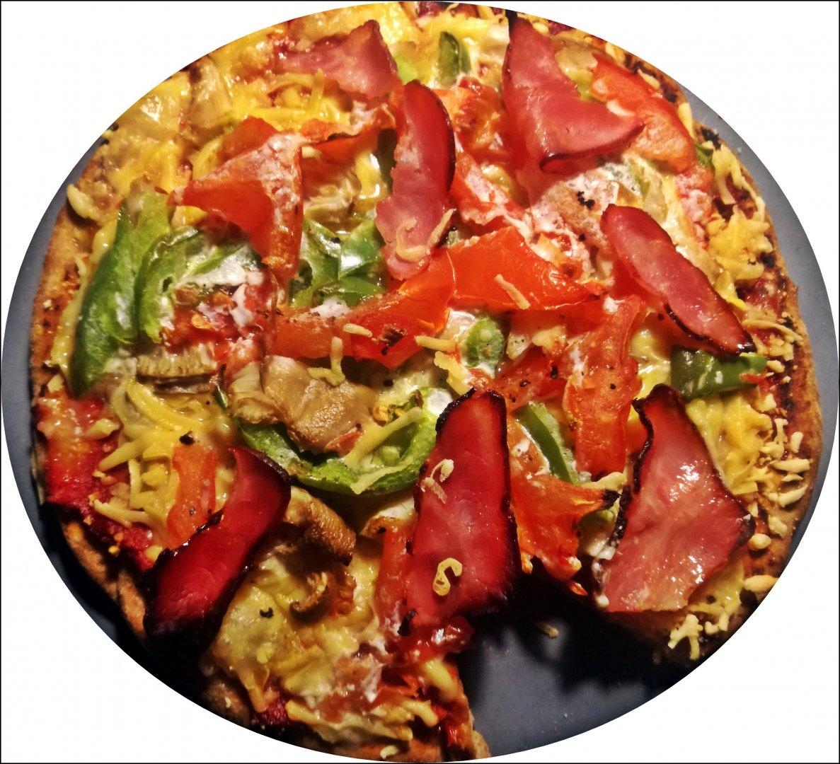 pizzaee.jpg
