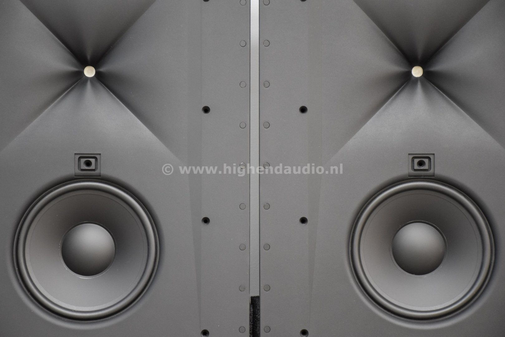 JBL-Synthesis-Surrounds-SCL4-drivers_wm.jpg