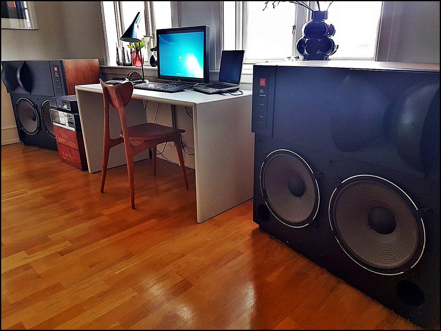 JBL laptop speakers.jpg