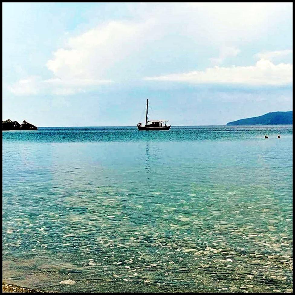 Delfinia beach Mani.jpg