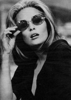 a257ae4e2cc18969bf5842bf159f3177--clubmaster-sunglasses-sunglasses-outlet.jpg