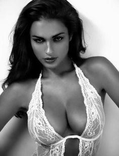c6ae42dd2e2413220a224feac36296c0--sexy-women-sexy-girls.jpg