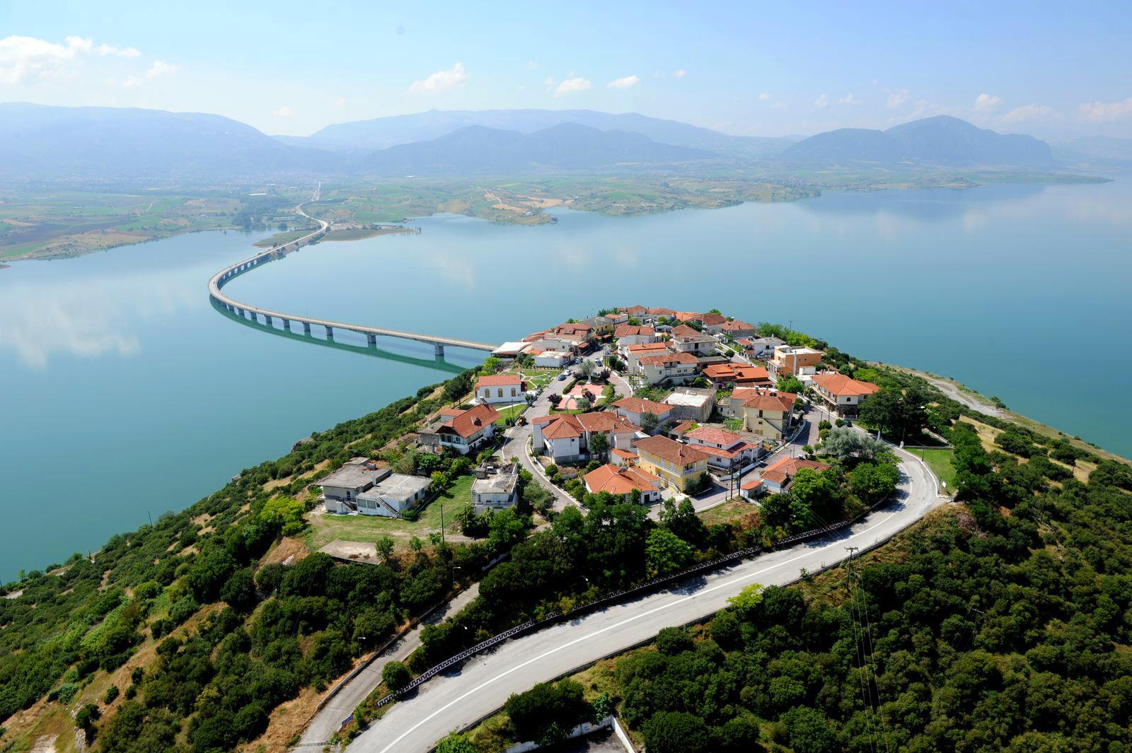 Kωμόπολη Νεράιδα Κοζάνης.jpg
