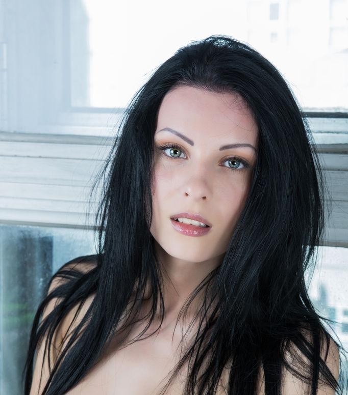 naked_brunette_is_posing_on_the_windowsill_-_rafaella_9.jpg