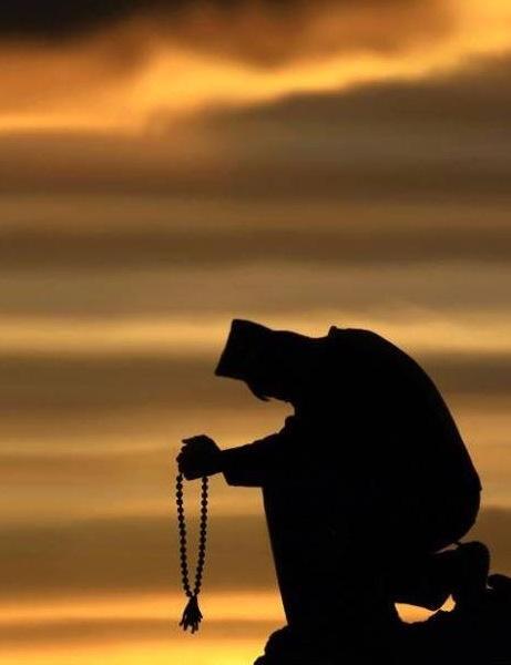 monk-praying-461x600-1.jpg