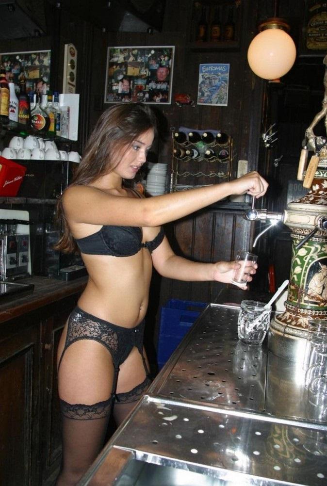sexy-bar-beer-waitress-680x1024.jpg
