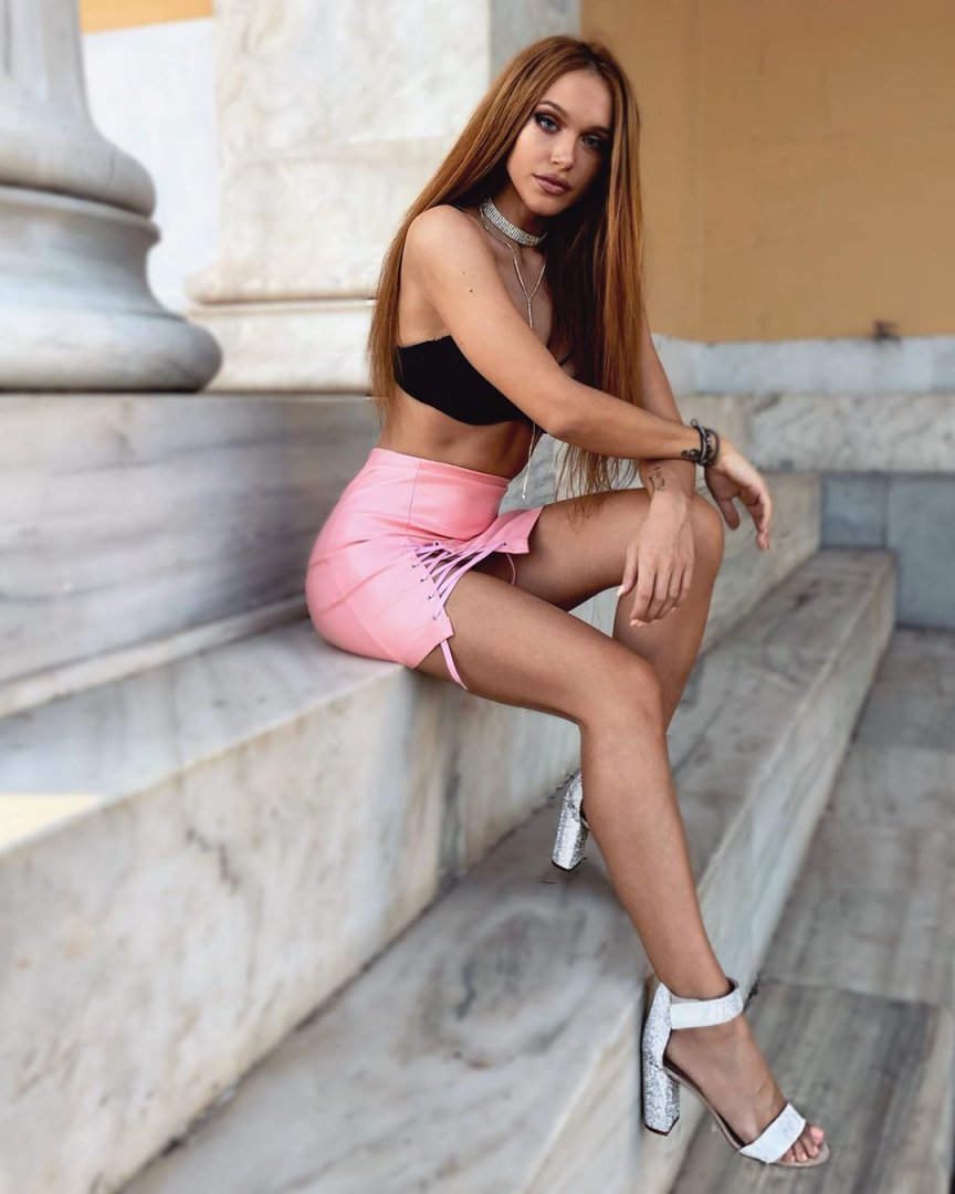 Tania-Breazou-Feet-5231140.jpg