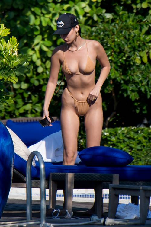 naked-swimsuit-trend-256285-1525107660851-image.500x0c.jpg