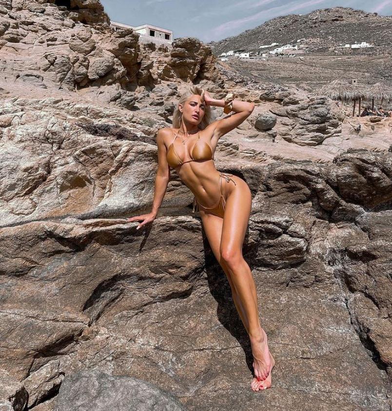 2021-06-28 13_48_27-Ιωάννα Τούνη_ Στη Μύκονο με μπικίνι που κόβει την ανάσα - Celebrities _ Ne...jpg