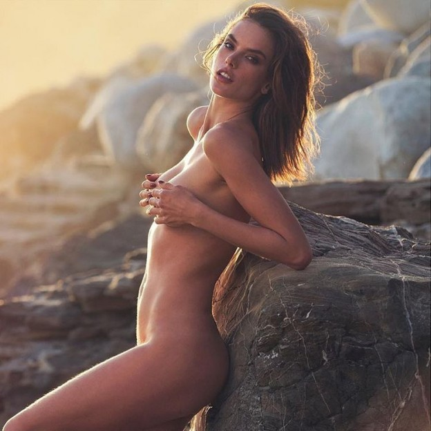 Alessandra-Ambrosio-Nude-624x624.jpg