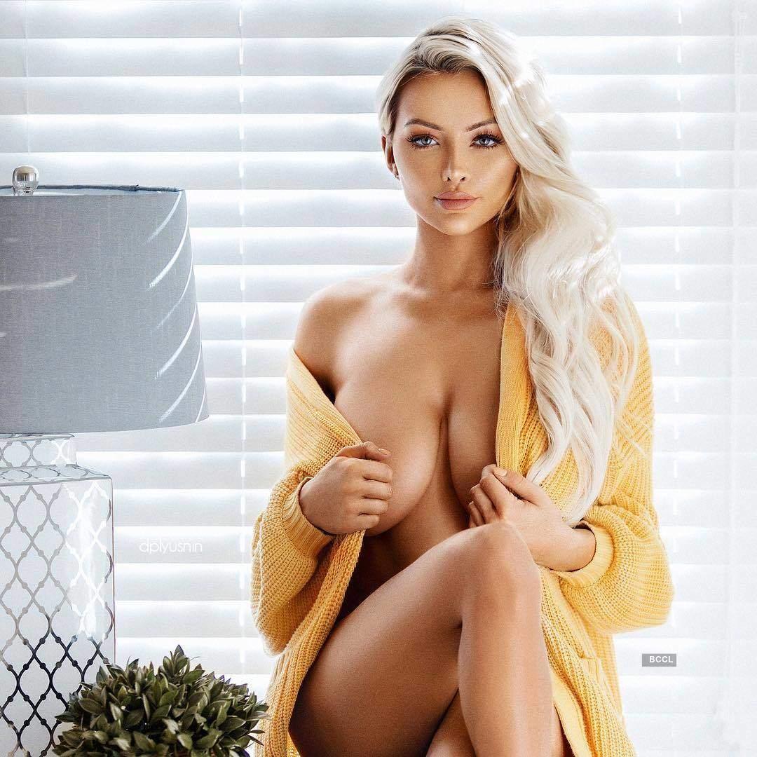 Lindsey-Pelas (1).jpg