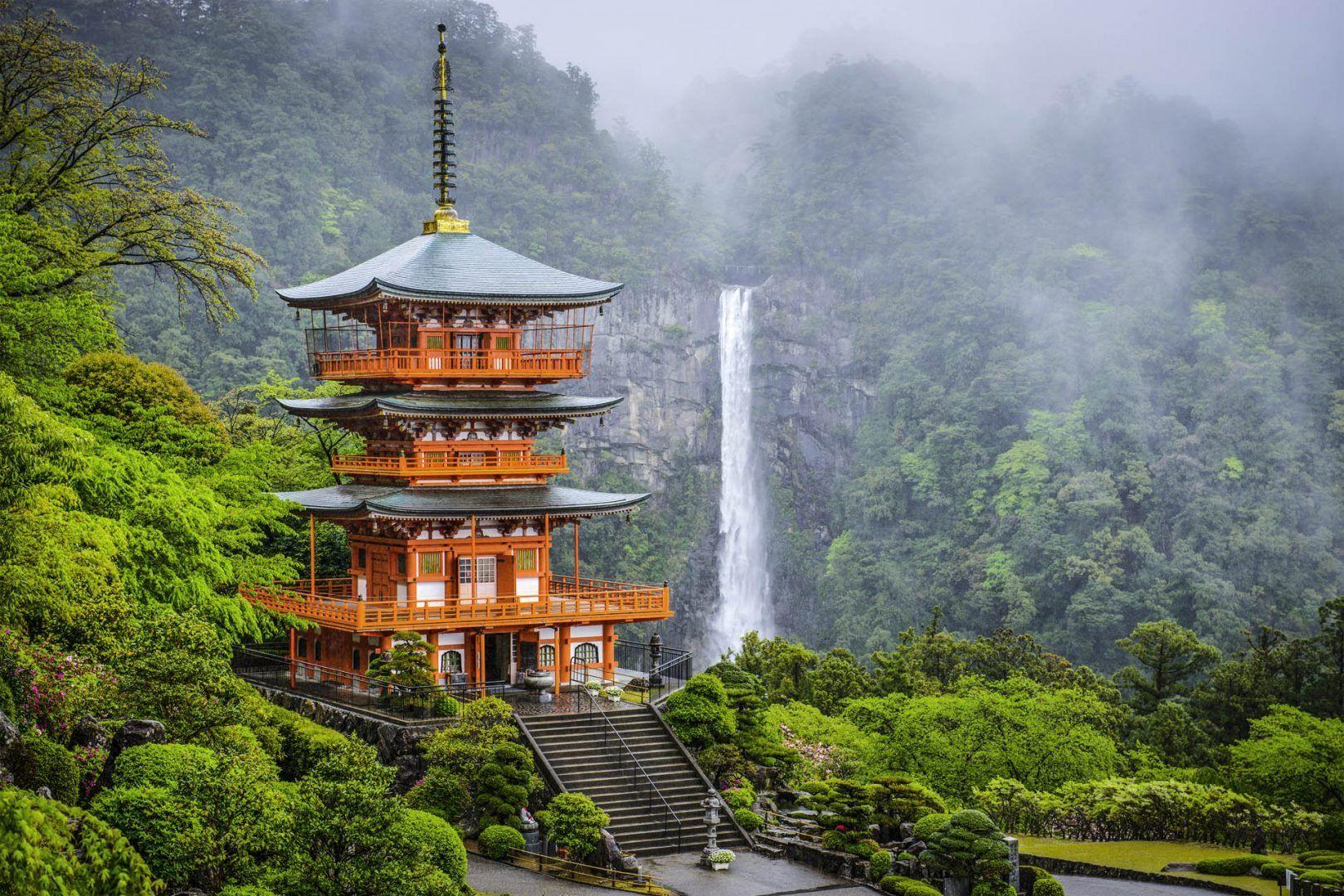 seigantoji-pagoda-japan-shutterstock_189118511_bdc0eb254a.jpeg